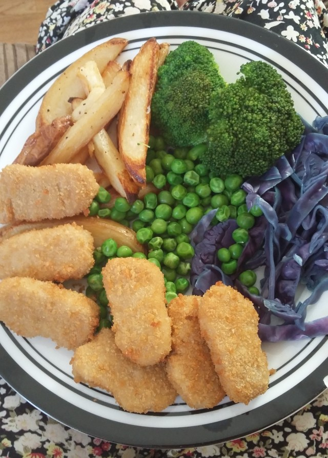 vegan chicken nuggets and chips